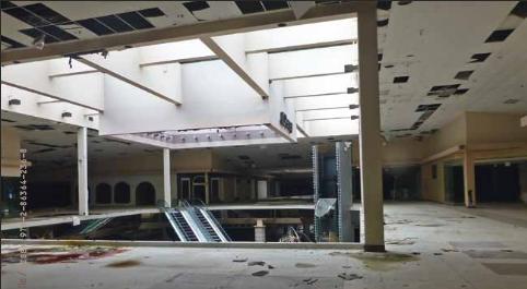 centre commercial abandonné - friche commerciale